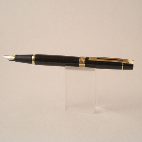 300 Fountain pen black