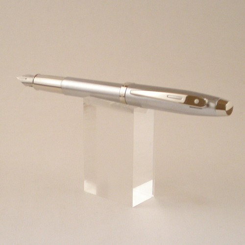 100 Fountain Pen