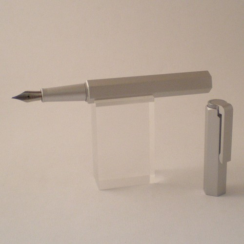 Compact Fountain Pen