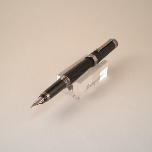 NeroUno Linea Fountain Pen