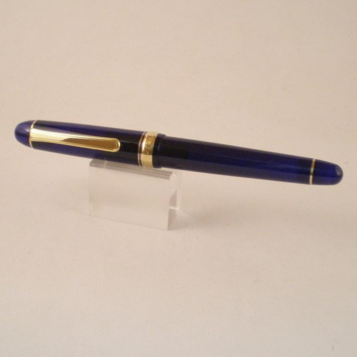 3776 Chartres Blue Fountain Pen