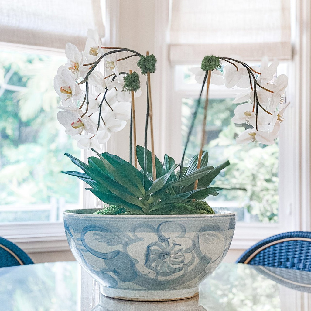 Blue & White Silla Bowl Twisted Flower