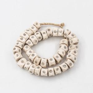 White Diamond Eyes Kenya Cow Bone Beads Per String