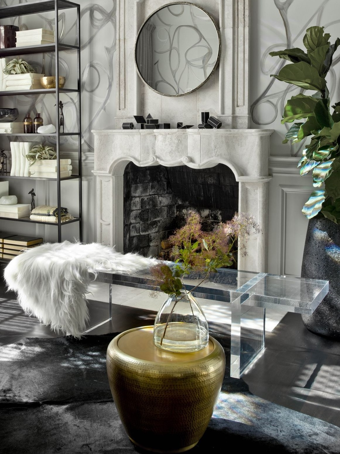 lucite-and-fur-clear-acrylic-bench-2-.jpg