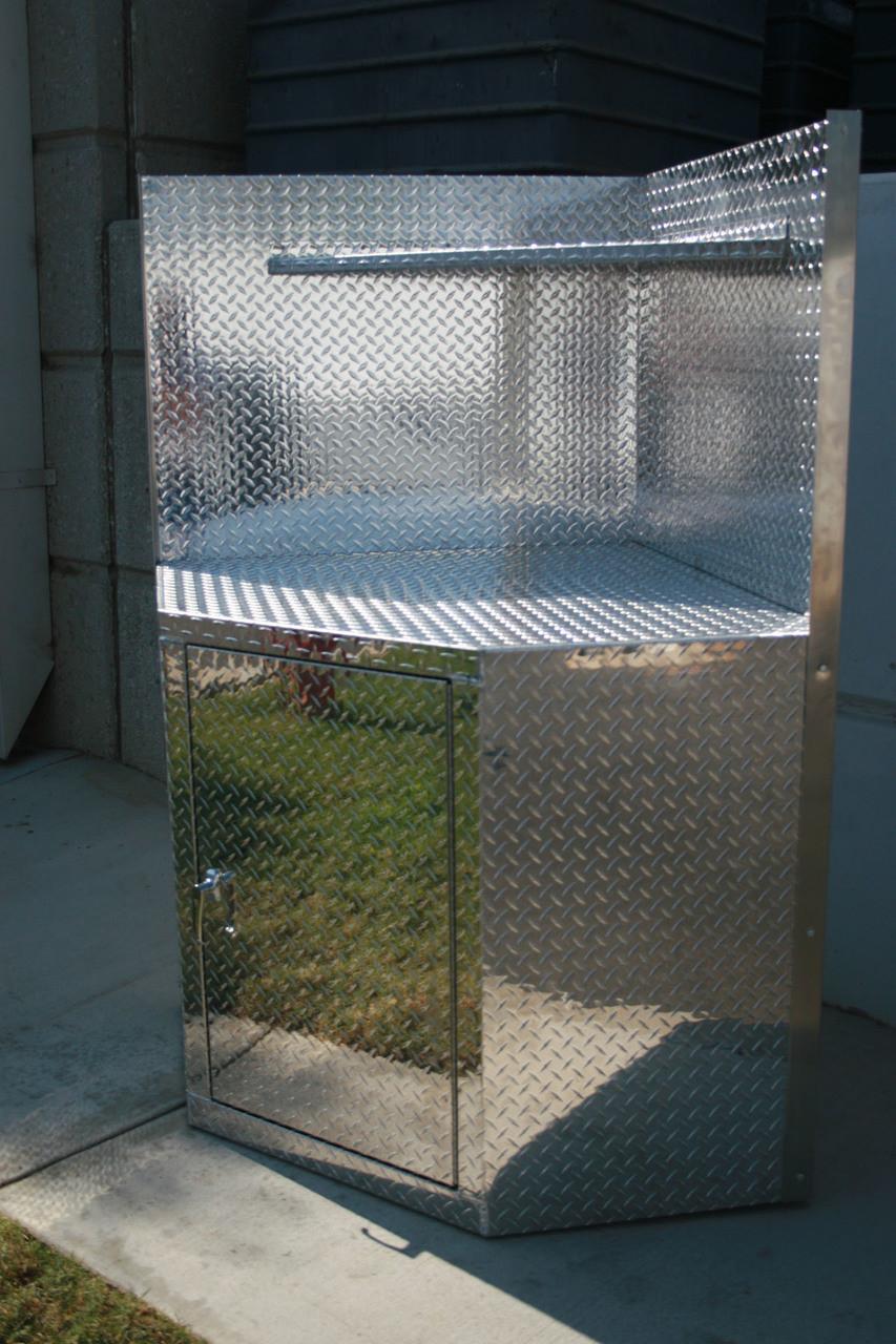 Diamond Plate Corner Cabinet with  Door and Hutch Shelf