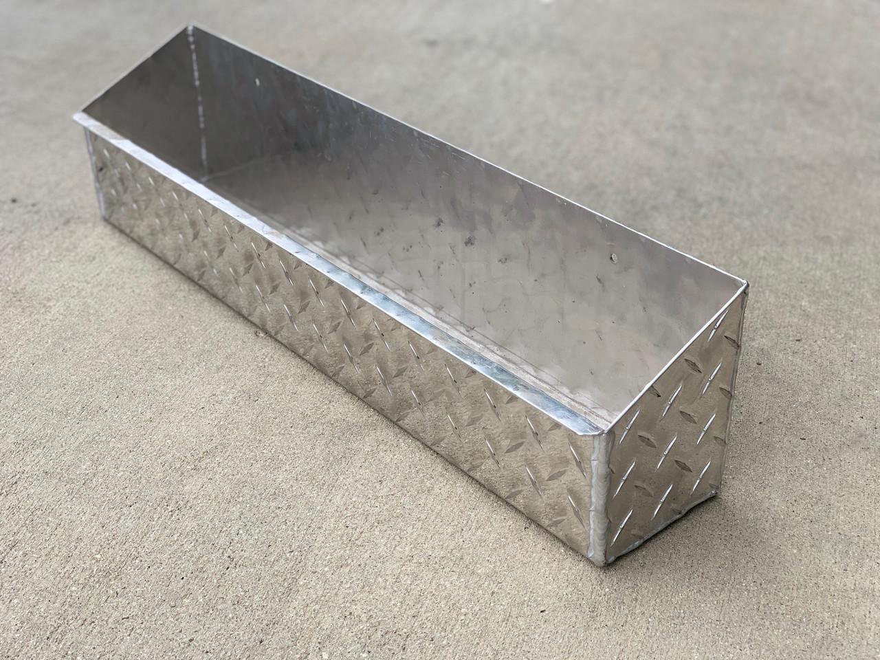 Diamond Plate Wall Mount Aerosol Tray