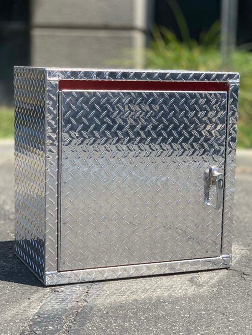 Mini Wall Diamond Plate Cabinet