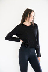 Amy Long Sleeve Casual Pullover Crew in Black