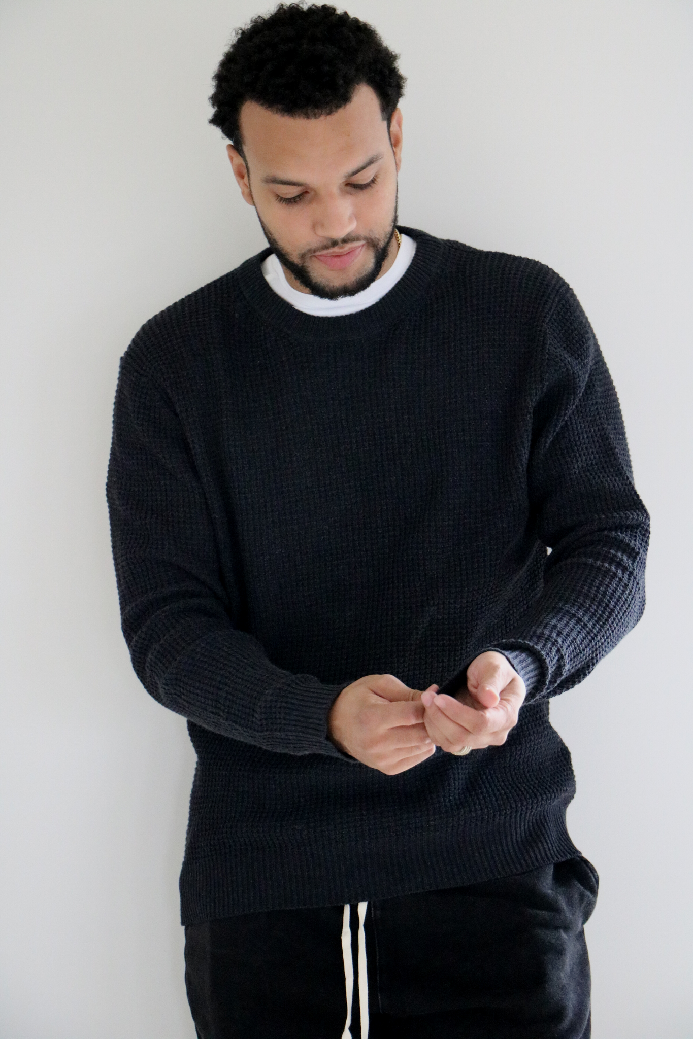 Rossland Knit Pullover Sweater in Charcoal
