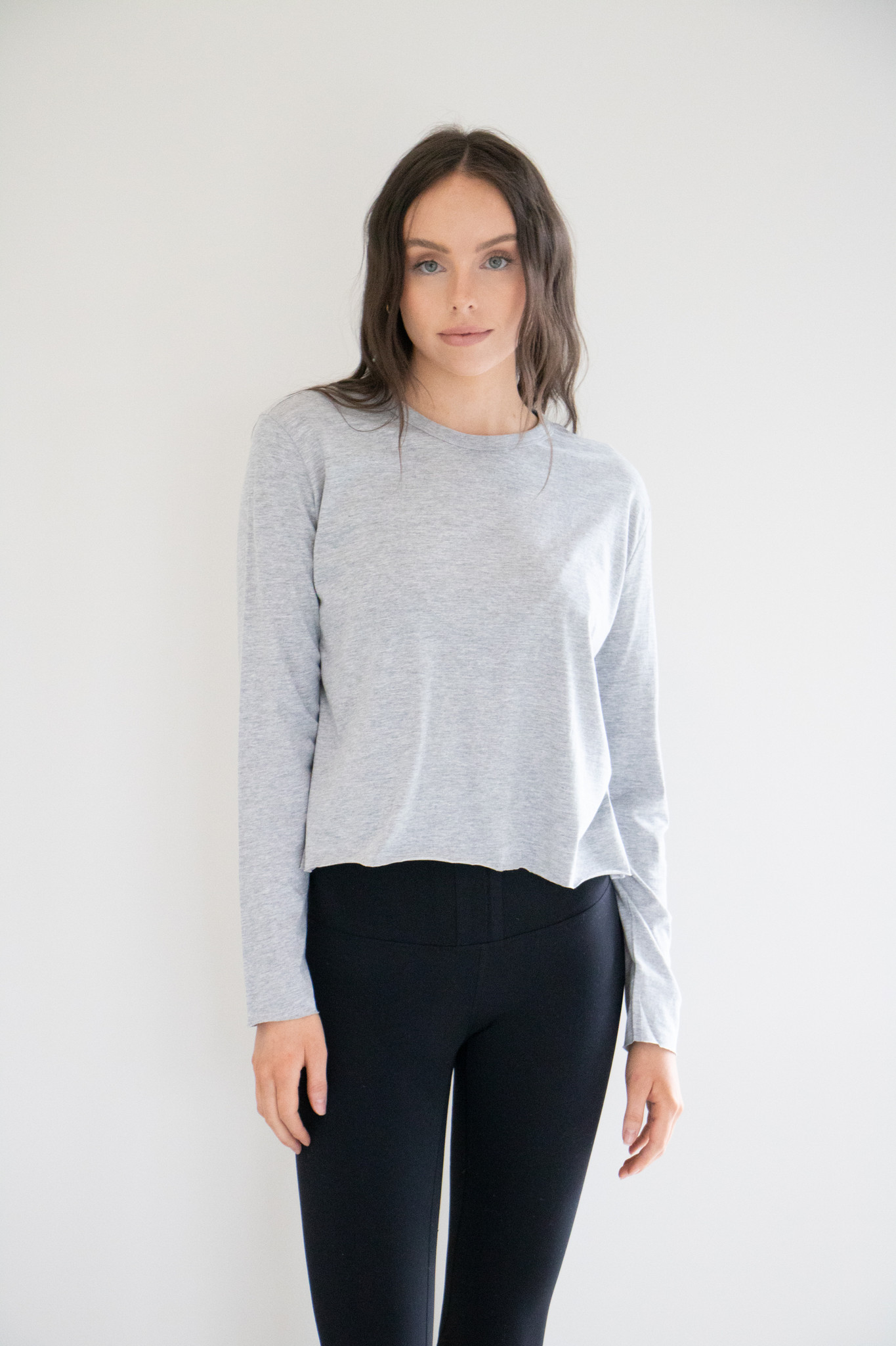 Amy Long Sleeve Casual Pullover Crew in Heather Grey