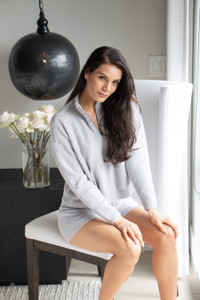 Ultra comfortable and soft against your skin, these shearling shorts are ridiculously cozy. Made to lounge in a gentle grey tone, which pairs perfectly with our matching Cozy Knit Shearling Hoodie and Pullover Crew Top.