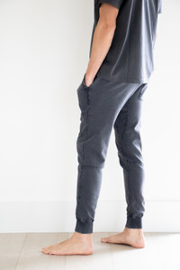 Relaxed Tapered Fit Ankle Length Jogger in Black Ash