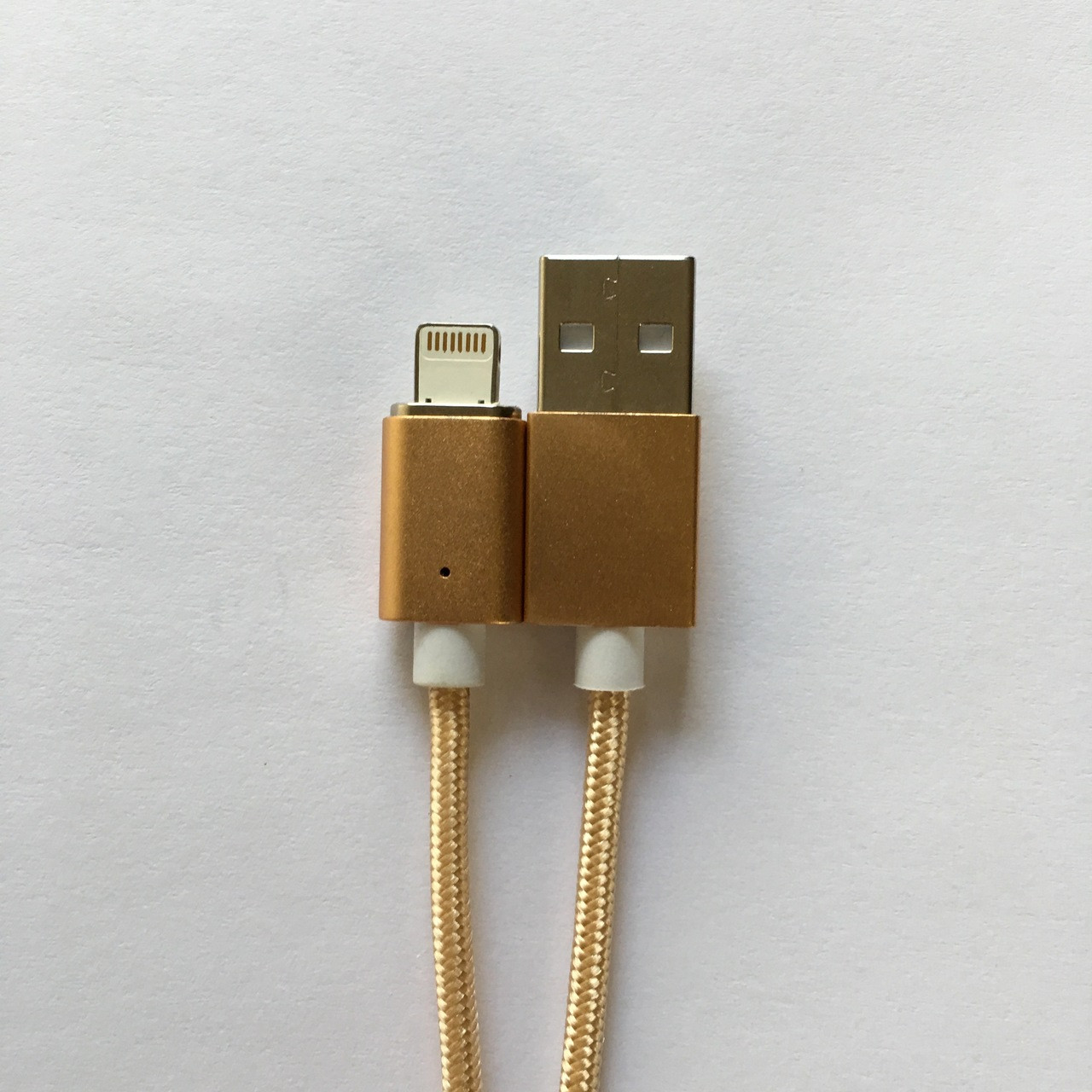 Magnetic USB cable for iPhone 8 Plus 7 6 5 in Gold - Lightning charger