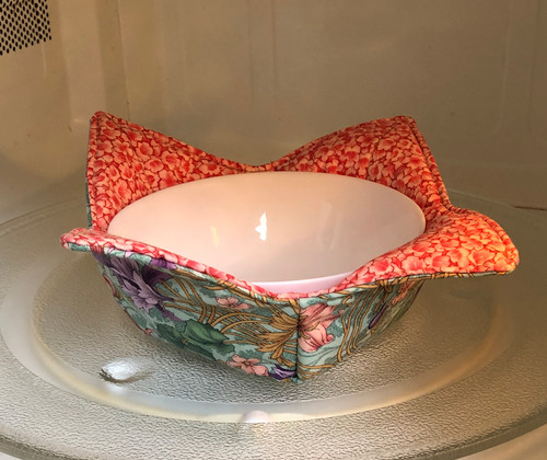 "Quilted Bowl Cozy for microwave or ice cream  10"" x 10""  Green/Orange Floral"