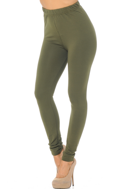 """Imported A Wonderful Solid Basic and Warm Fleece Lined Legging Amazing Warmth and All Day Comfy Fit in S/M or L/XL Fleece Lined for Superior Comfort and Warmth Hand Wash or Professional Wash 92% Polyester 8% Spandex Model is wearing size a S/M Measurements are 32B x 24 x 36 and height is 5' 6"""" These Will Become Your New Favorite Women's Basic Legging New Mix"""