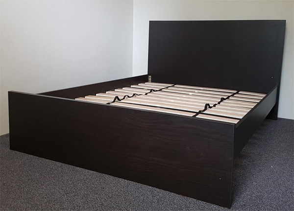cheap timber bed