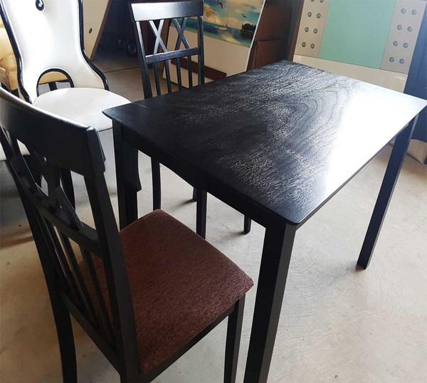 Cheap dining table in Sydney