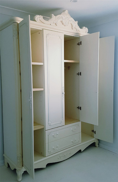 Luxury timber Europe wardrobe