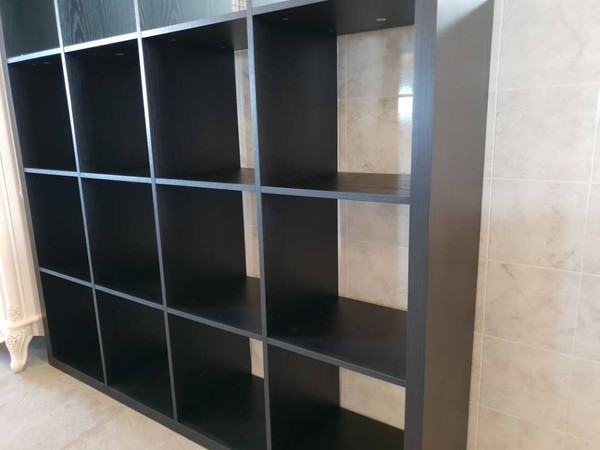Book case display unit with 16 storage cubic