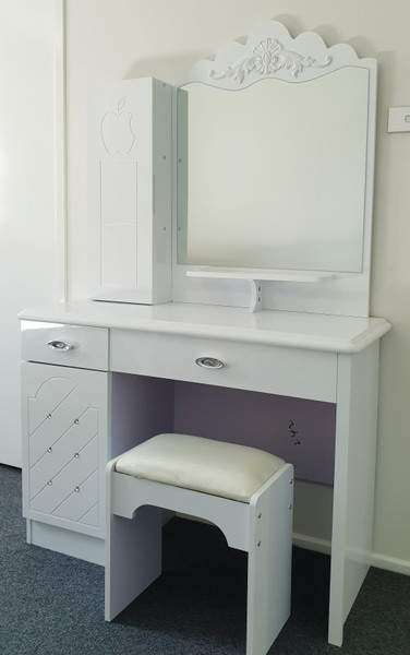 White sleek dressing table