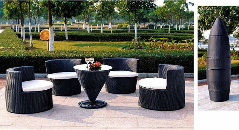 Outdoor bullet chair & table set