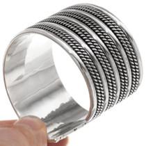 Navajo Handcrafted Silver Bracelet 28419