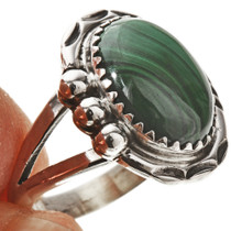 Stunning Green Ladies Ring 28742