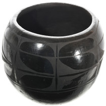 Vintage Santo Domingo Pottery 32068