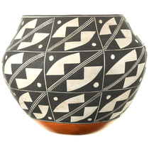 Hand Coiled Acoma Pottery 33515