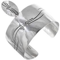 Vintage Hammered Silver Cuff Bracelet 34030