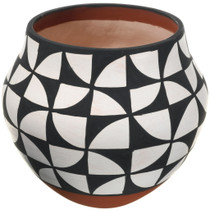 Authentic Acoma Pueblo Pottery 34037