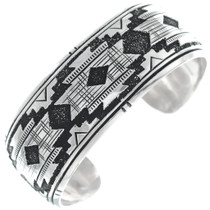 Navajo Geometric Rug Pattern Sterling Silver Bracelet 34811