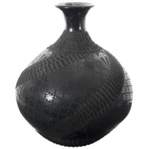 Hand Etched Blackware Mata Ortiz Pottery 35638
