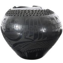 Black on Black Geometric Design Mata Ortiz Pot 39295