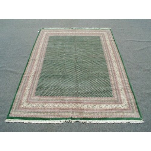 Hand Woven Oriental Rug 25129