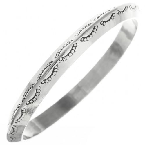 Vintage Navajo Hammered Silver Bangle Sterling Bracelet 30685