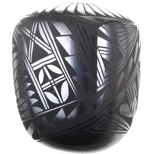 Small Black Mata Ortiz Seed Pot 31817