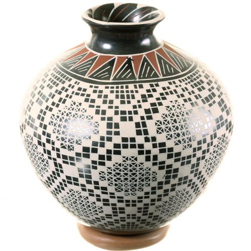 Mata Ortiz Eye Dazzler Pottery