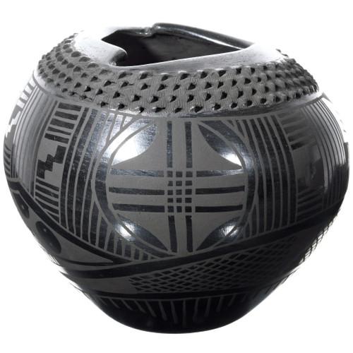 Mata Ortiz Textured Black Pottery 39301