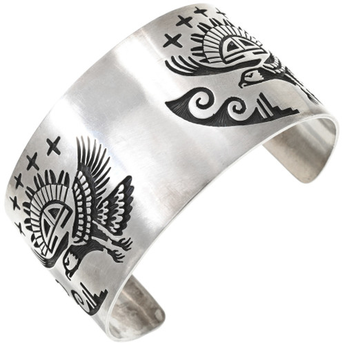 Vintage Navajo Eagle Design Sterling Silver Bracelet 40832