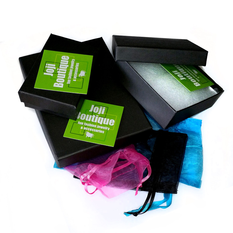 Organza bag and gift box included