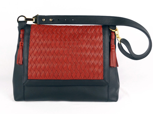 Chelsea Flap Large Messenger Black And Red