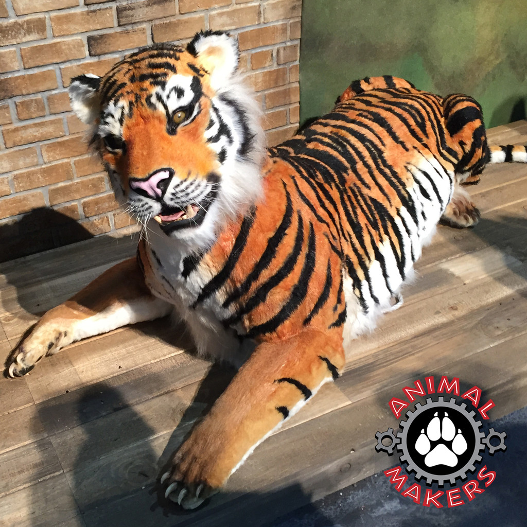 Plug and Play Tiger Prop