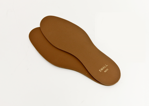 A pair of flat insoles