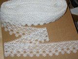 """Venise Lace 2 1/4"""" (57.15mm) Off White 5 Yards Wrights"""