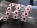 """Venise Lace 1"""" White & Red Daisy. 9 1/2 Yards"""