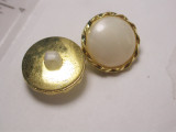 """Button 3/4"""" (19mm) Gold with White Pearlized Dome - Per Piece"""