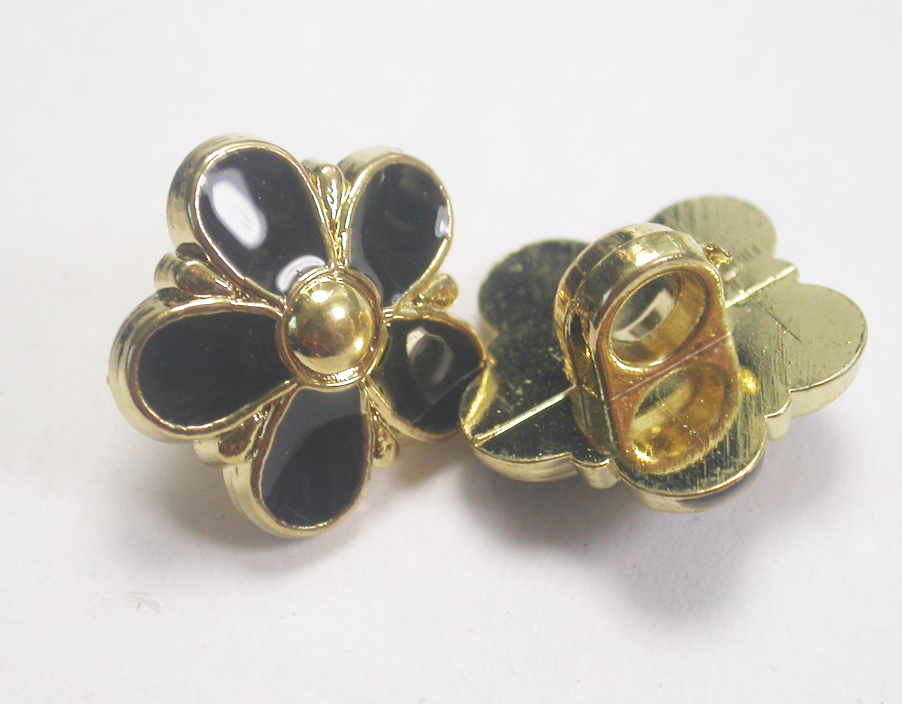 """Button 5/8"""" (15.87mm) Gold with Black Infil Flower - Per Piece"""