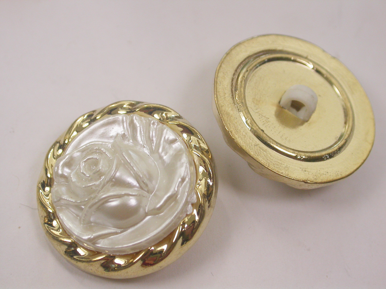 """Button 1"""" (25mm)  Gold with White Rose Center  - Per Piece"""