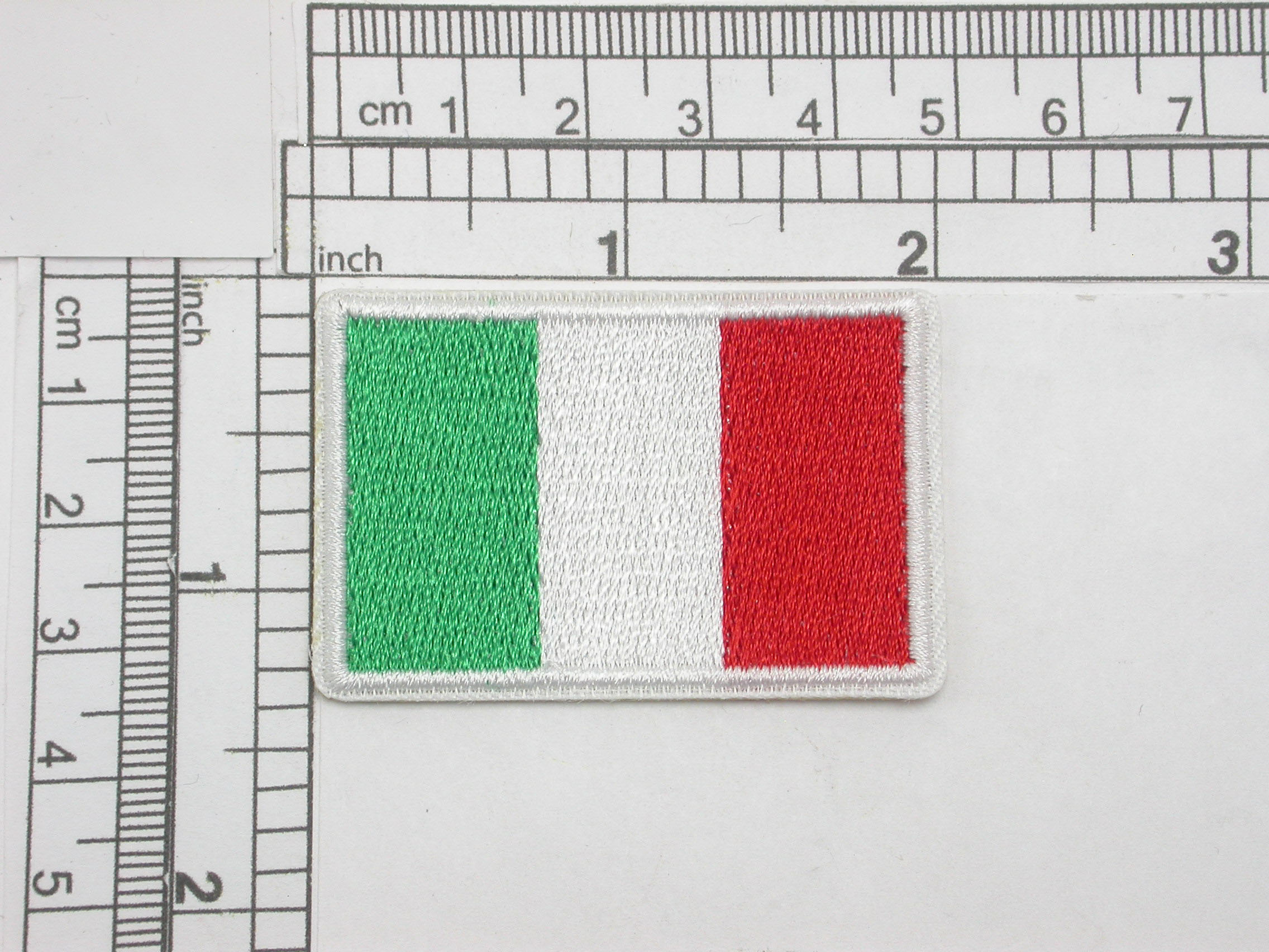 """Italy Flag Embroidered Iron On Patch Applique Italia  2"""" x 1 1/4""""  (51mm x 32mm) approx"""